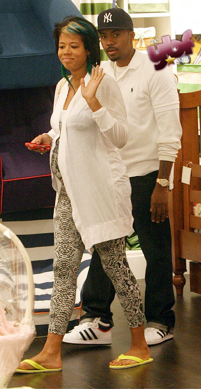 Pregnant Kelis (picture from theybf.com)